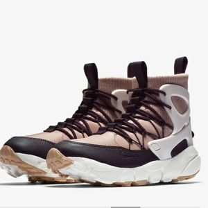Women's Nike Air Footscape Mid Utility